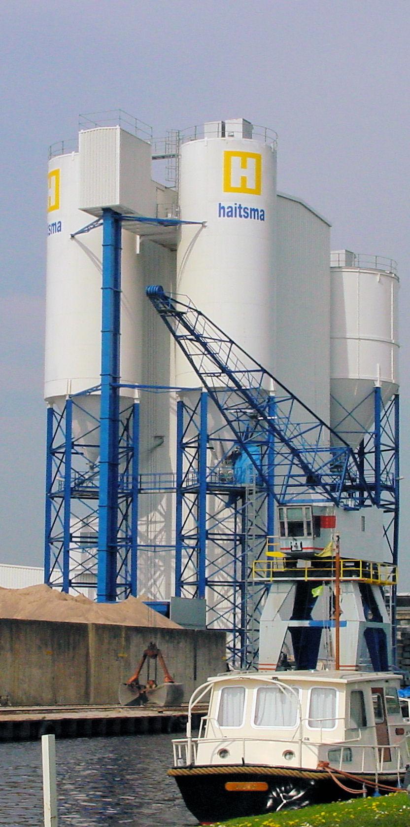 Elevatoren: dé oplossing voor schaarse grond, hoge grondprijzen en horizonvervuiling